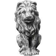 Садовая городская бетонная фигура льва. фото