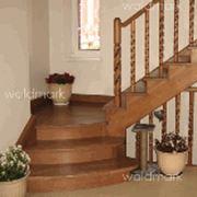 Лестницы на косоурах деревянные фото