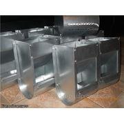 Бункерная кормушка для бройлеров при клеточном содержании, кормушка для кроликов фото