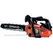 Цепная пила SADKO GCS-254 Длина шины: 30.5, Гарантия: 12, Мощность двигателя: 0.9, Объем топливного бака: 0.23, Объем двигателя: 25.4, Объем масляного фото