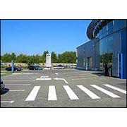 Обустройство парковок дорожной разметкой и дорожными знаками фото