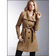 Осеннее пальто с меховым воротником фото