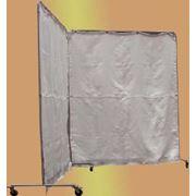 Переносной защитный тканевый экран используется для защиты оборудования и персонала от брызг металла искр и теплового излучения представляет конструкцию состоящую из металлического каркаса и сменных штор из огнестойкой ткани навешиваемых на каркас фото