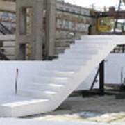 Лестничные марши и лестничные ступени, фото