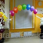 Фигурки учеников из шаров фото