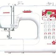 Машины бытовые швейные Компьютеризированная швейная машина JANOME DC-4050 фото