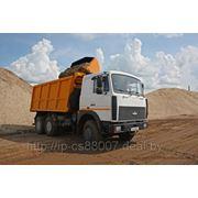 Вывоз строительного мусора.самосвалами 20-30 тонн фото
