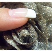 Гелевое наращивание ногтей на типсах с дизайном фото