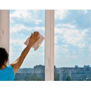 • Мойка (мытье) окон. фото
