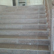 Лестница из гранита фото