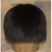Шапка из крашеного меха лисы-чернобурки на вязаной основе фото