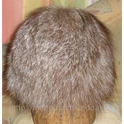 Женская шапка из цельной шкурки лисца (помесь песца и чернобурки) фото