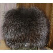 Женская шапка на трикотажной основе из меха крашеной чернобурки фото