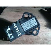 Датчик давления надува Audi VW Skoda 0281002401 VW 038 906 051 C фото