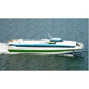 Пассажирский катамаран СУПЕРФОЙЛ-301 снабженное запатентованной системой носовых подводных крыльев и транцевых интерцепторов с дизельной энергетической установкой и водометным пропульсивным комплексом фото