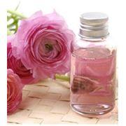 Спирт фенилэтиловый используется в разработке средств для макияжа глаз макияже продуктах ухода за кожей шампунях духах и одеколонах. Купить спирт фенилэтиловый. фото