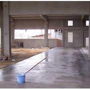 MAXFLUID - суперпластификатор для бетона строительных растворов стяжки (в т.ч. тонкослойной) полов с подогревом промышленных полов с эффектом самоуплотнения. Снижение водоцементного отношения на 10-15%. фото