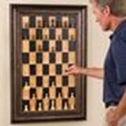 Шахматы в виде картины на стене фото