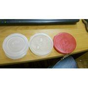 Производство крышки пластиковй под банку для консервации фото