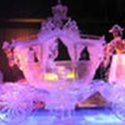 Скульптуры из льда подсвеченные фото