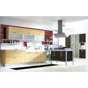 Кухонные гарнитуры в классическом стиле с фасадами из массива фото