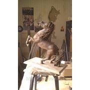 Скульптура *Конь* фото