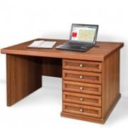Однотумбовый письменный стол фото