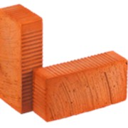 Кирпич керамический строительный рядовой полнотелый Красный Рифленый М125 фото