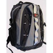 Рюкзак отличного качества с плотной спинкой