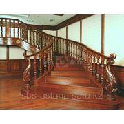 Маршевая лестница из массива канадского дуба