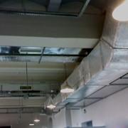 Монтаж систем вентилирования воздуха фото