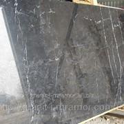 Мрамор negro marquina фото
