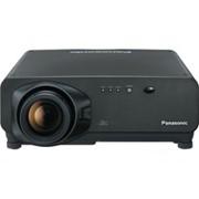Трехчиповый DLP-проектор Panasonic с разрешением WXGA PT-D7700 E/E-K фото