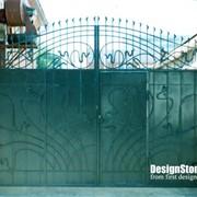 Ковка ворот, оград, перил, оконных решеток фото
