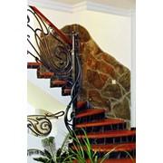 Лестницы деревянные на бетонном основании или металлокаркасе фото
