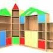 Угловая стенка для игрушек Городок фото