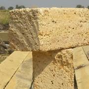 Камень-ракушняк, природный строительный материал фото