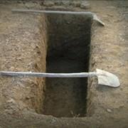 копка могил на деревенских кладбищах  фото