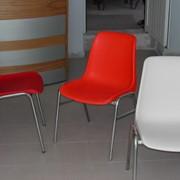 Пластиковые стулья для кафе, дачи, дома фото