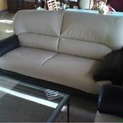 Перетяжка кожаных диванов. Ремонт кожаной офисной и домашней мебели фото