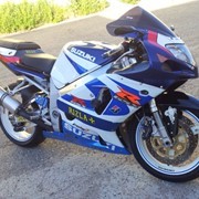 Спортивные мотоциклы SUZUKI GSX-R 750 фото