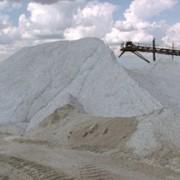 Соль для посыпания дорог фото