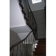 Монтаж ограждения лестниц и лестничных проемов. фото