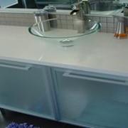 Столешница из камня Silestone для ванной комнаты