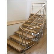 Лестница из дерева и металла фото