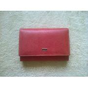 Красный матовый кошелек фото