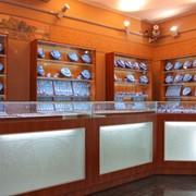 Торговое оборудование для ювелирного салона фото