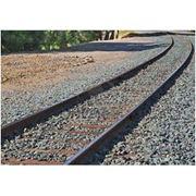 Щебень для балластного слоя железнодорожного пути фото