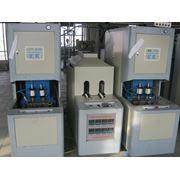 Полуавтоматы для выдува ПЕТ бутылок с закалыванием для горячего розлива фото
