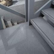 Наружная лестница из серого гранита фото
